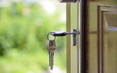Départ en vacances : Vos menuiseries protègent la maison