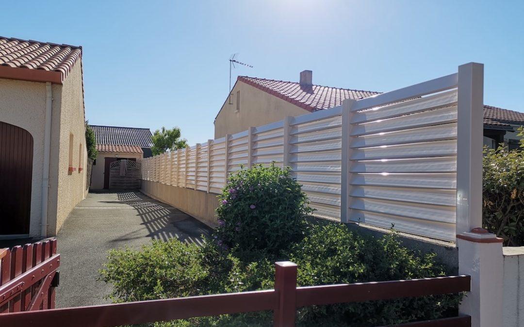Pose d'une clôture à Gétigné